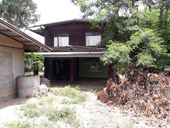 บ้านเดี่ยว 2 ชั้น ครึ่งตึกครึ่งไม้